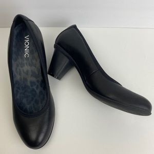 Vionic Mabrey Black Orthaheel Leather Pumps Size 8